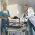 Raport ze Szwecji i UK pokazuje, że większość zgonów to w pełni zaszczepieni